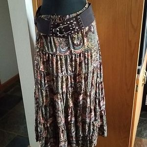 Women's skirt with belt